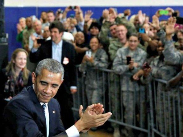 obama-troop-clap