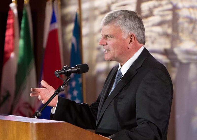2017-trunews-franklin-graham-fb