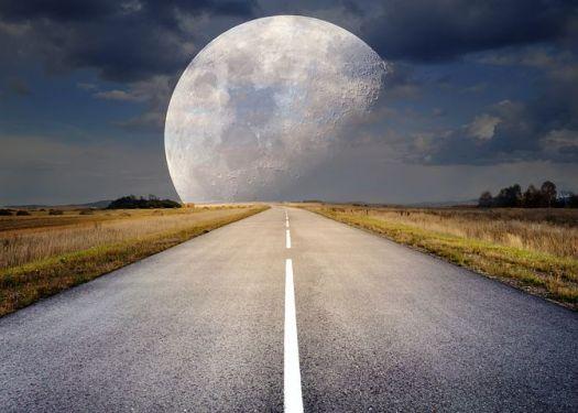 moon-2285628__480