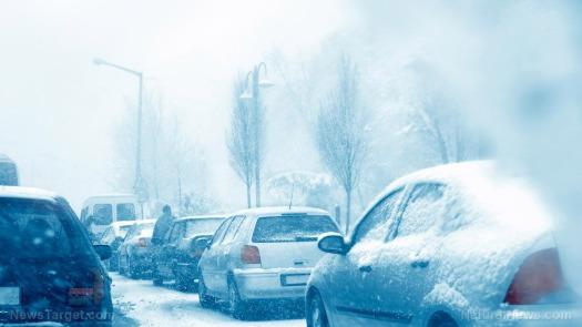 traffic-blizzard-snow-storm