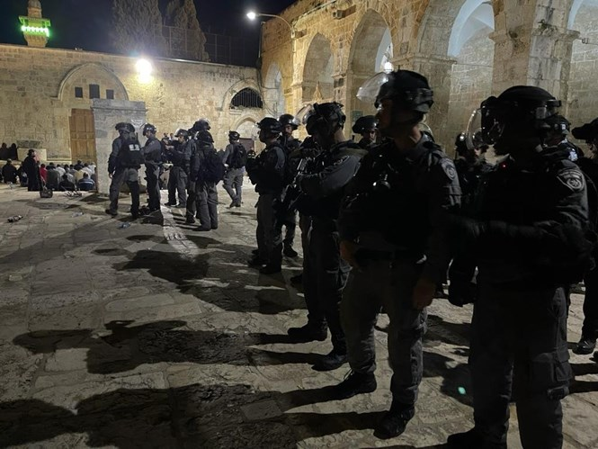 Police officers injured in continued Jerusalemriots